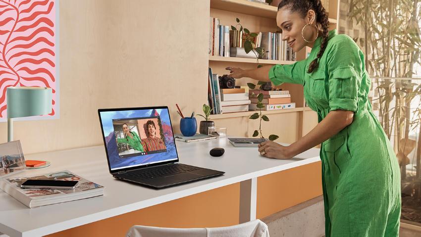 16-дюймовый ноутбук HP Spectre x360 2-в-1 оснащен HP GlamCam, набором функций, предназначенных для повышения и максимального использования камеры при совершении звонков и использовании ПК.